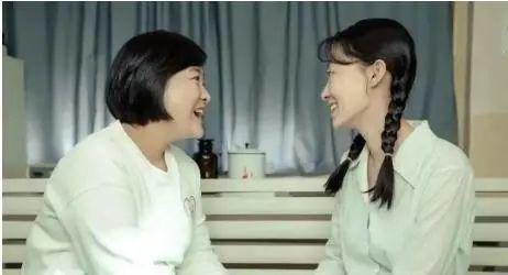 《你好,李焕英》,也许是贾玲和自己的一次和解