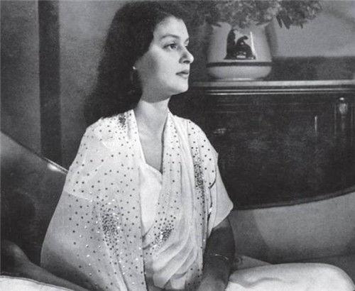 印度一王妃,35岁离婚后带8子嫁入王室,拥有无数珠宝,结局如何