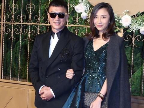 孙红雷携爱妻亮相,王骏迪 看起来光彩照人