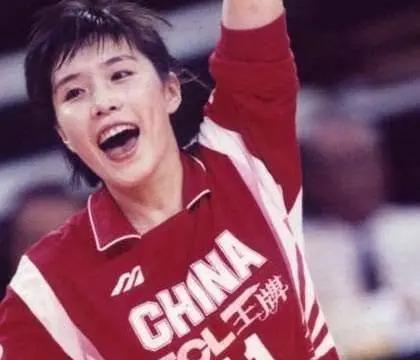 孙玥指出李盈莹不足被球迷狠批:你没拿过冠军,没资格评价她!