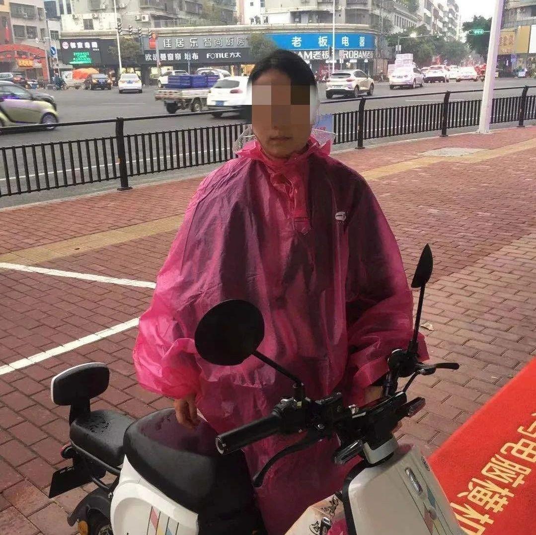 在澄海这些路未戴安全头盔、闯红灯的你被曝光了...