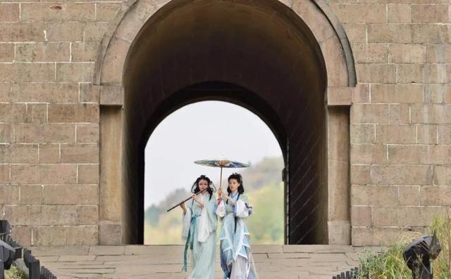 女神节来临,四川九寨沟黄龙等景区送福利了,女性门票全免!