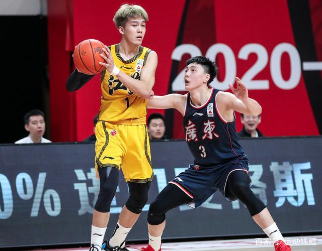 广东夺15连胜仍有惊喜,00后小将成为广东夺冠拼图