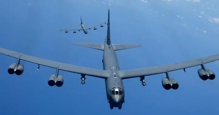 美军核轰转场绕道东海,战略侦察机逼近碰瓷,再次矛头直指解放军