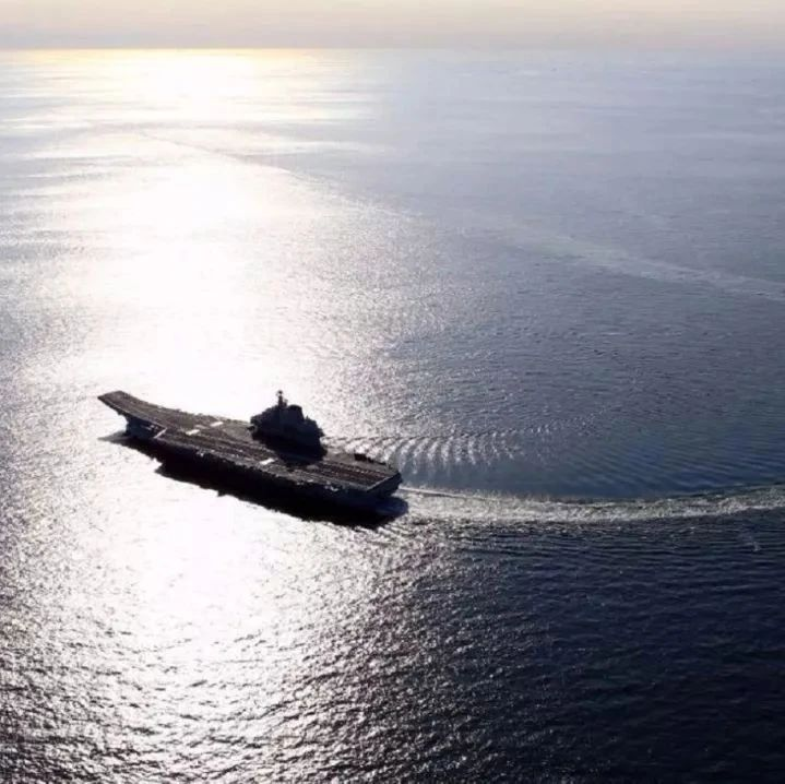 国产航母首次试航就在海上玩漂移:凸显动力系统强劲澎湃!