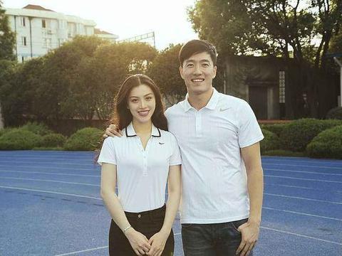 37岁刘翔身价过亿,与前妻性格不合离婚,二婚娶初恋女友为妻