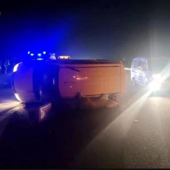 高速车祸、7人被困……危急关头,这位纪检干部挺身而出