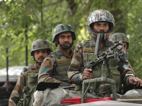 上世纪克什米尔战争中,印军第8山地师,被巴军2000人暴揍?