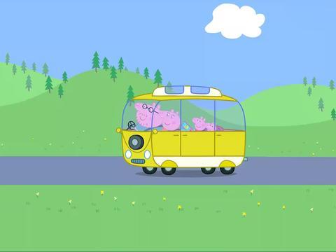 小猪佩奇:佩琦和乔治喜欢野餐,还是在鸭子乐园里呢!