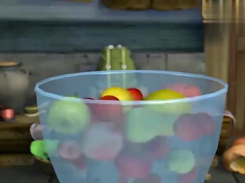 熊出没:光头强卖果汁在里面加了烂苹果,活该卖不出去黑心商家