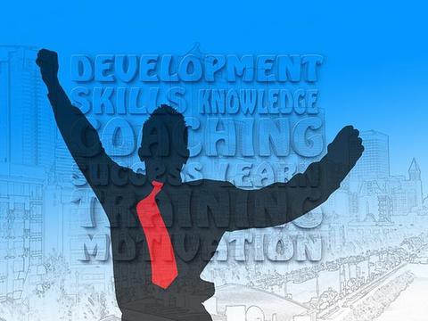 凡是成功的企业,最厉害的不是老板,而是他身边那个拎包的人!