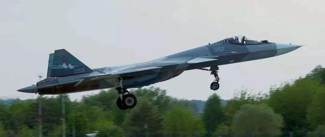 隐身战斗机,要学中国歼-20去踹门才行,苏-57已经点错了科技树