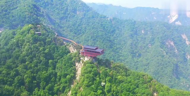 """陕西一处集山、水、林、寺于一体的景区,被誉为""""陕西的九寨沟"""""""