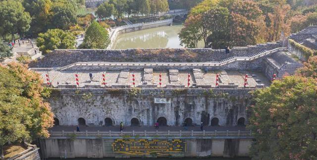 秦淮河从这里流入南京城,千年东水关免费开放游客却不多