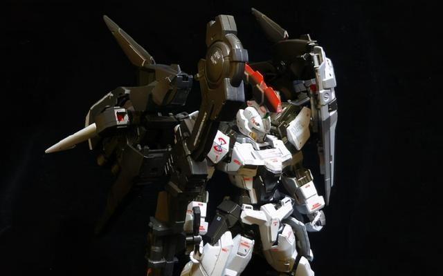 漫改高达模型还原,MG比例决斗型多鲁基斯