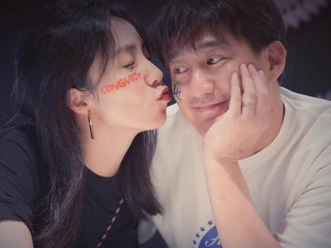 """黄磊孙莉亲密贴脸,佟大为夫妇""""面条吻""""齁甜"""