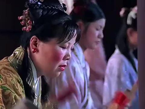 河东狮吼:张柏芝太美了吧,来寺庙求签花样百出,这个眼神我爱了
