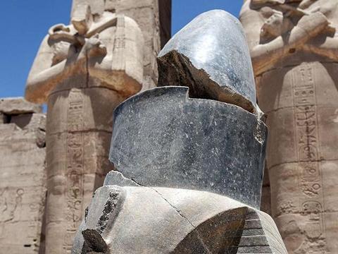 """「埃及」最伟大的法老""""拉美西斯二世""""的陵庙《拉美西斯神庙》"""