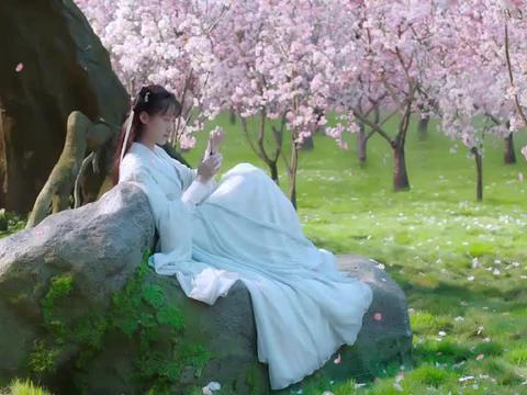 琉璃:璇玑说自己四年都没跟司凤联络,玲珑一听:你太没心没肺