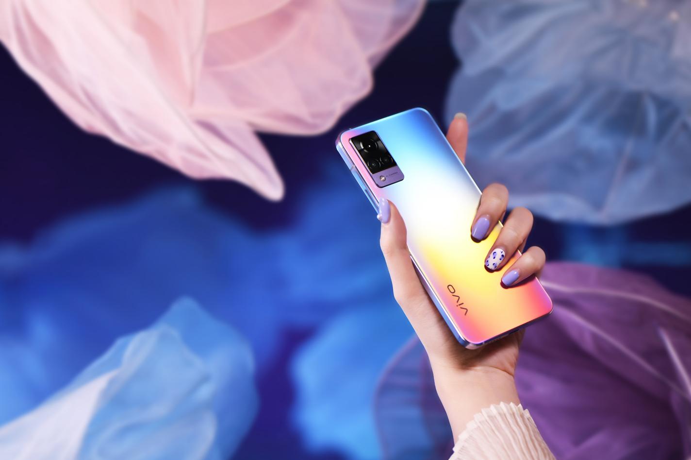 以全新发布的vivo S9手机为例,一起来聊聊vivo S9的自拍水平。