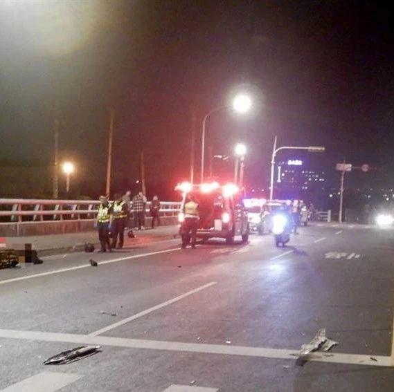 台中20岁男子骑摩托车撞到货车,冲至人行道身亡