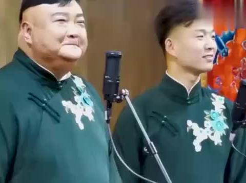 范军演唱豫剧我未开言来心如焚,真像马金凤大师,这才是传承!