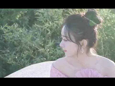 赵丽颖 直播礼服花絮
