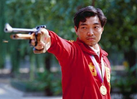 中国奥运首金获得者许海峰,61岁视力令人心疼,至今仍住单位房