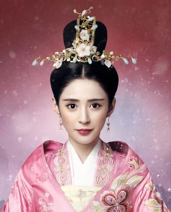 《京城第一美人》李长乐怎么胖成这样,像产后肥胖?
