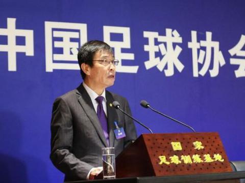 挖坑的典型案例,说吴曦要加盟上海某球队,让媒体去关注上海上港