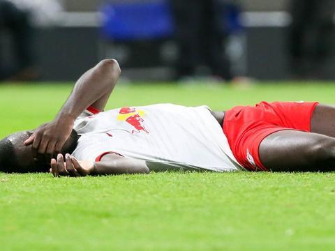 德媒:乌帕梅卡诺伤停两周,无缘法国队但可以出战拜仁