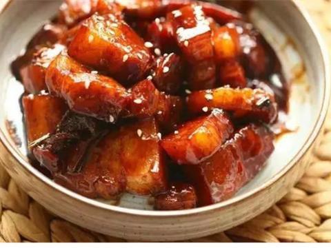 美食:土豆丝五彩蛋饼、白斩河田鸡、可乐红烧肉、辣炒藕丁