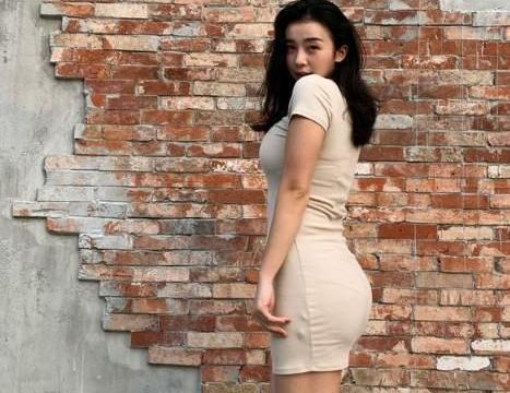 美女篮球主播张曼源继续送福利,身材太好,粉丝评论照片挺真实的