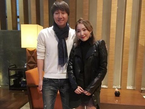 国足最美女老板文筱婷,将队徽纹在大腿上,拿888万做赢球奖金!