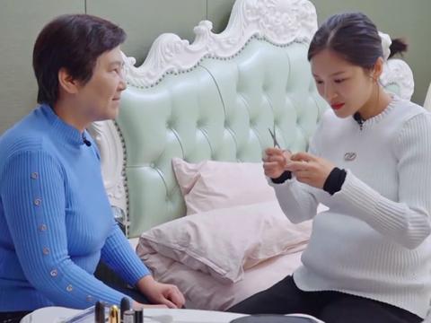 王灿为啥离不开双眼皮贴?看到她给小姨贴了之后的效果,差距真大