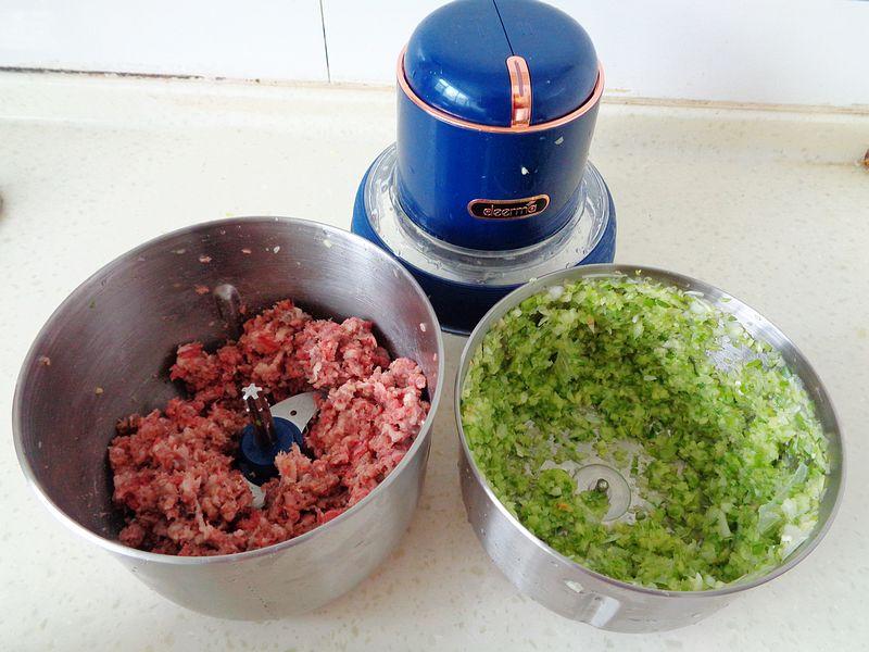 包牛肉饺子,要记住九种调味料比例,不腥不柴,鲜嫩又汁多
