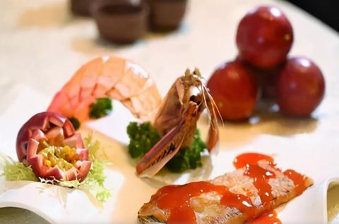美食推荐:富贵肴肉、百香汁煎富贵虾扒、山湖羊肉冻制作方法