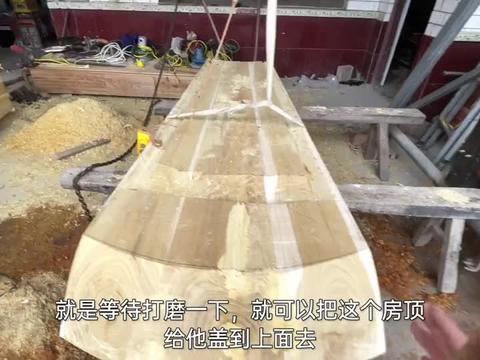 刚做好的纯桑木棺材,一般人见了都害怕,躺在里面是什么感觉