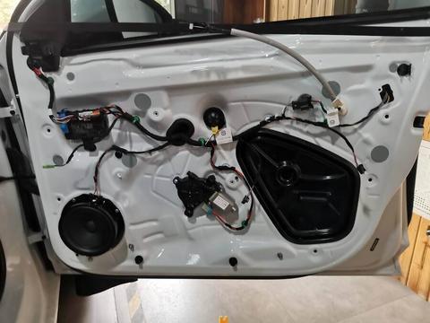 大众速腾无损升级汽车音响隔音改装案例