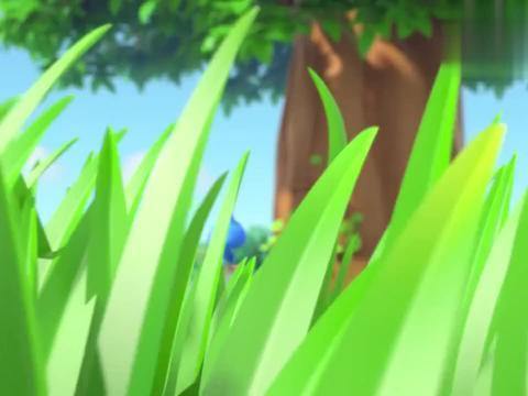 萌鸡小队:小松鼠做了个飞天滑翔机,居然可以在天上飞了,好神奇