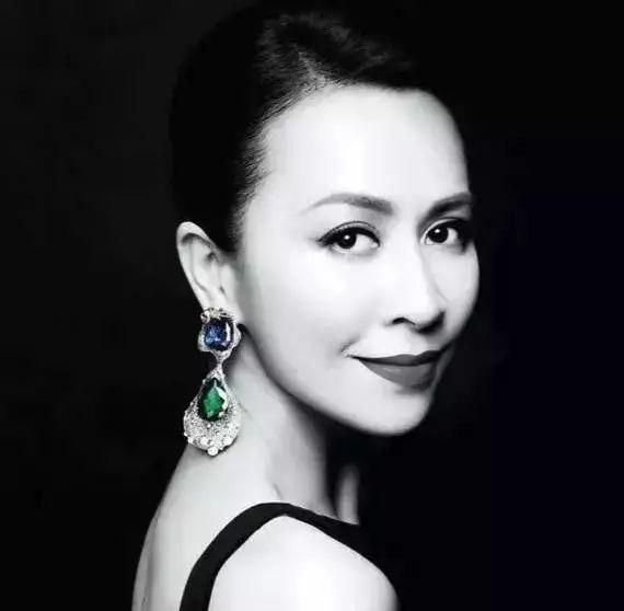 收藏界女神刘嘉玲:要做个有钱的女人!