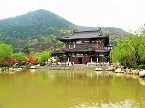 春游不用去云贵,到西安皇家园林,看樱花逛梨园泡温泉,再好不过