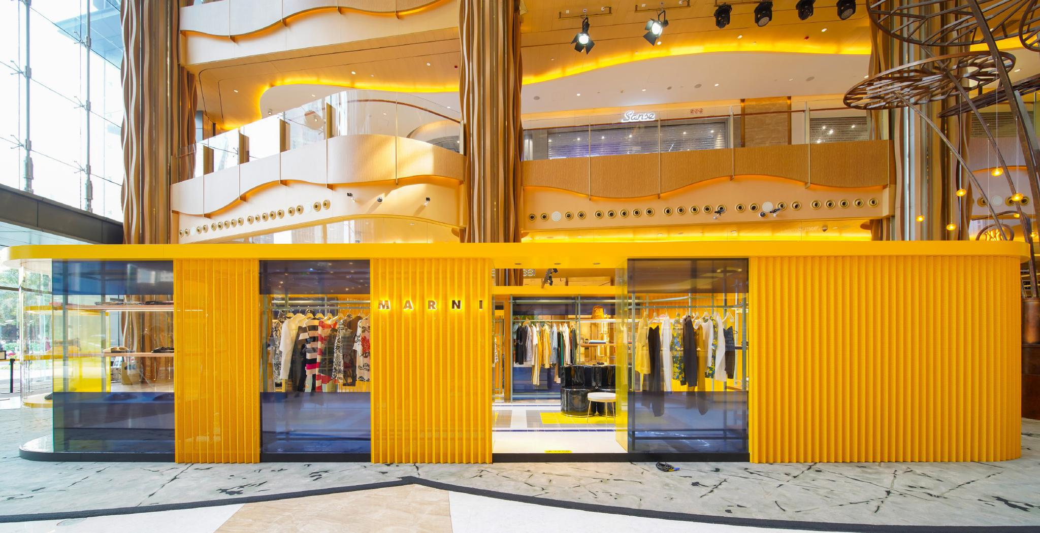 日前,Marni限时男装精品店入驻广州K11购物艺术中心……