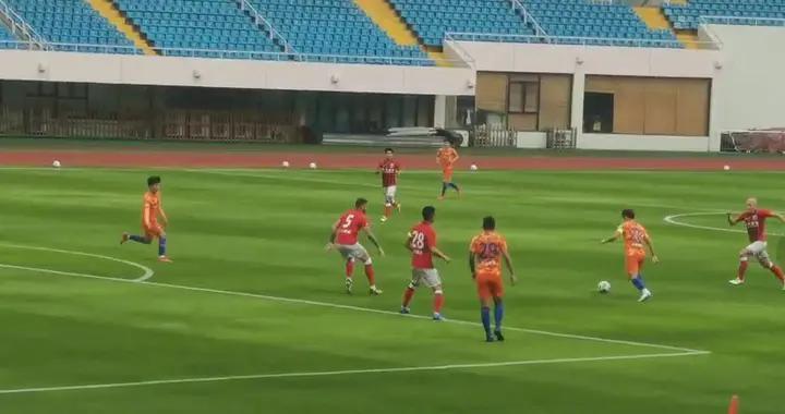 热身赛上海海港5比0泰山队,外援包揽5球穆伊戴帽,孙准浩首发
