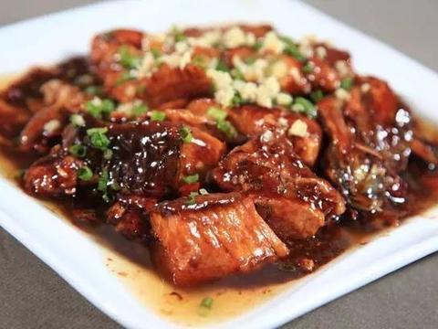 美食精选:糖醋草鱼、凉拌荞麦面、花生酱拌面、香菇马蹄蒸肉饼