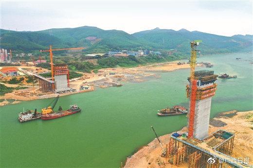 亚洲第一跨径公路矮塔斜拉桥培森柳江特大桥来宾岸主桥墩浇筑完成