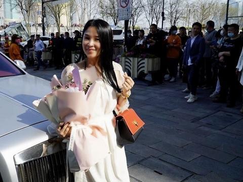 VESPER LYND品牌主理人兰薇薇受邀参加张羽希生日会惊艳众人