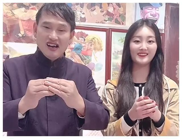 大衣哥儿媳妇陈亚男,从网红到艺人,能不能获得成功?