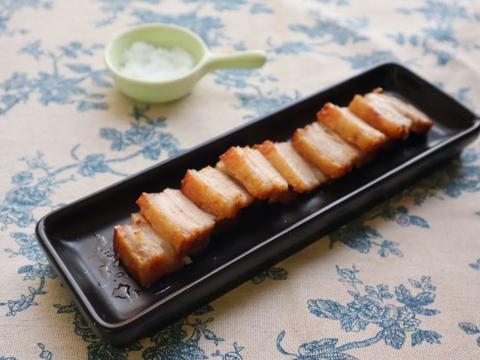 五花肉的新吃法,烤出来的外焦里嫩,一口下去嘎嘣脆