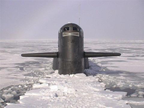 """俄军北极""""秀肌肉"""",48枚核弹覆盖两大洲,展示超强核威慑能力"""